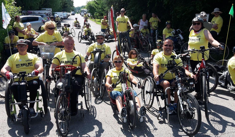 Rollstuhl-Biker-Gruppe